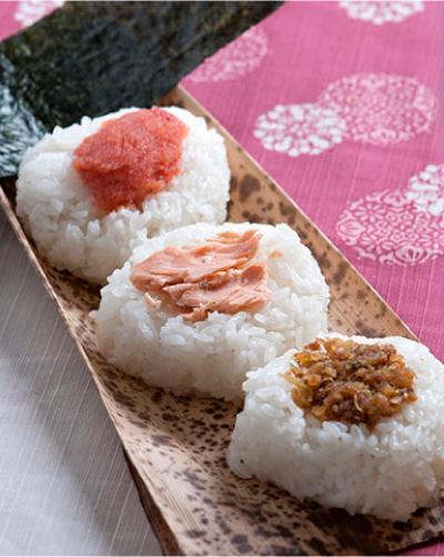 左上から生明太子(190円)、時鮭(170円)枕崎おかかとジャコ(170円)